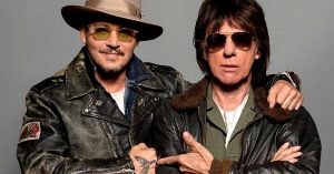 "JEFF BECK E JOHNNY DEPP LANÇAM ""ISOLATION"", DE JOHN LENNON"